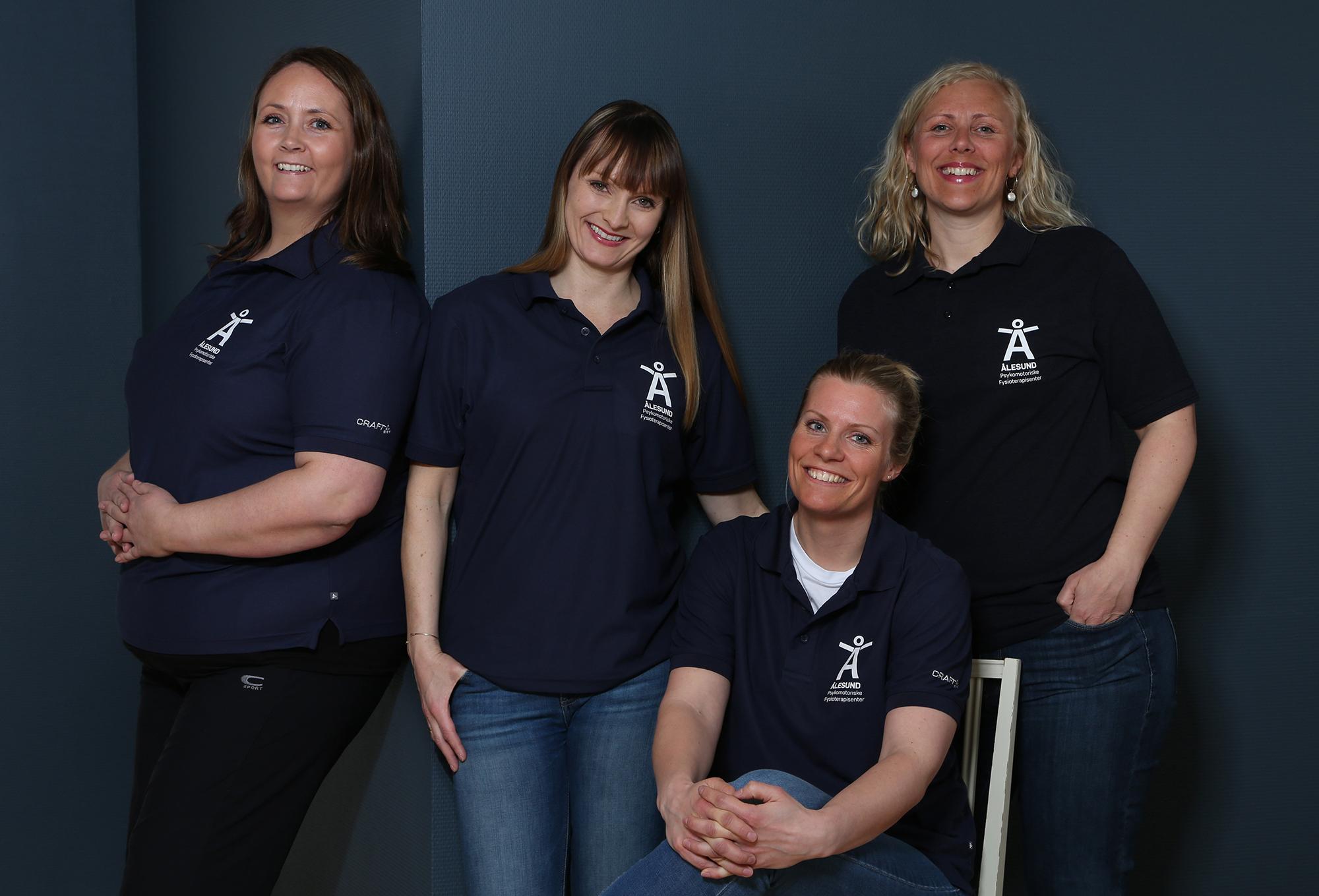 Hennes er vi!  Fra venstre: Aase Irene Remen Myklebust, Kjerstin Fet Vindenes, Stine Kvammen Bjørlykhaug og Ingrid Amalie Hagen.